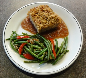 Small_kugel_and_green_beans_almondine_1