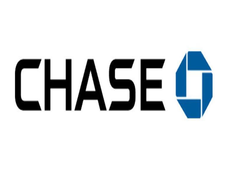Chase Bank   Orrington Plaza