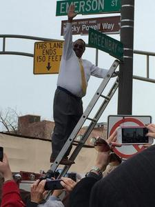 http://evanston.chicagotribune.com/2014/11/11/hecky-hits-new-height-honorary-street-naming-ceremony/