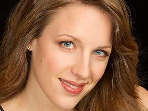 http://www.chicagobusiness.com/article/20140609/NEWS09/140609841/evanston-native-jessie-mueller-wins-best-actress-in-a-musical-tony