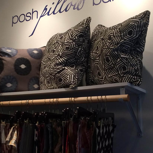 Large_thumb_posh_pillow_bar