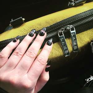 Small_avenue_nails_2