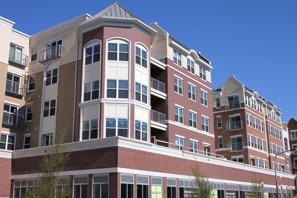 New construction 2013. Luxury apartments near Metra, Purple Line, lake, and shopping.